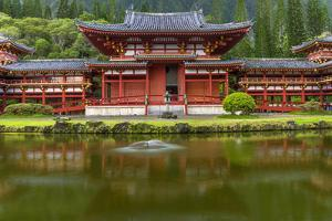 Byodo-In Buddhist Temple, Kaneohe, Oahu, Hawaii, USA by Charles Crust