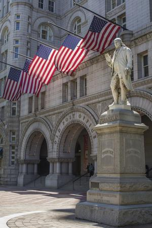 USA, Washington Dc. Ben Franklin Statue Fronts Old Post Office