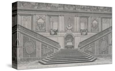 Vue intérieure du grand escalier de Versailles, opposé à l'entrée