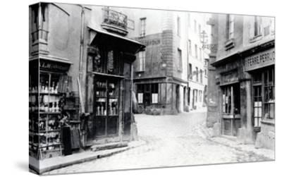 Crossroads of the Fromentel, Saint-Hilaire, Jean-De-Beauvais, Charretiere Et Mont-De-Marsan Streets