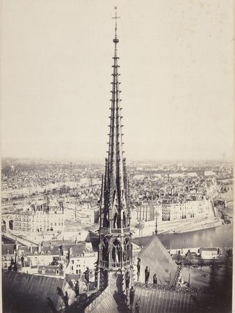 Paris, Flèche de Notre-Dame, en plomb et cuivre martelé, Viollet le Duc