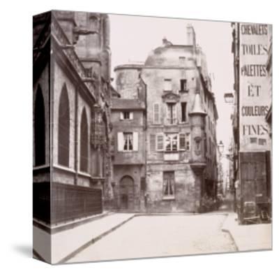 Tourelle derrière l'église Saint-Germain-l'Auxerrois, Paris