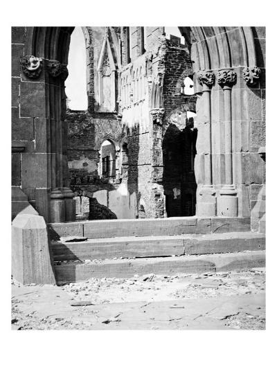 Charleston, SC, Ruins of Cathedral, Civil War-Lantern Press-Art Print
