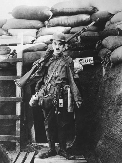 Charlie Chaplin, Shoulder Arms, 1918--Photographic Print