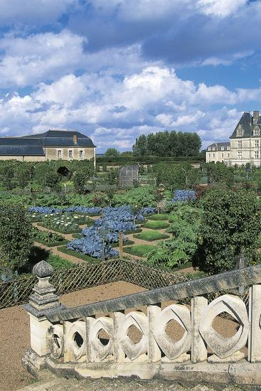 Chateau De Villandry and Gardens, Loire Valley--Photographic Print