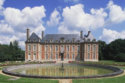 Chateau Du Le Fayel--Giclee Print