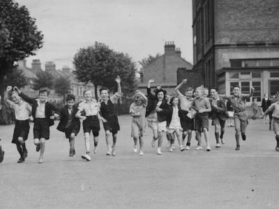 Cheering Children--Photographic Print