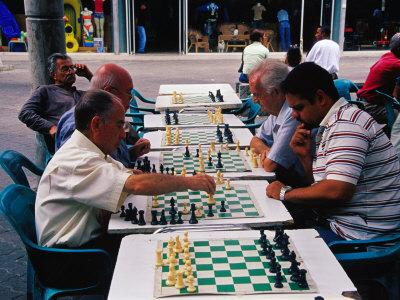 https://imgc.artprintimages.com/img/print/chess-players-at-boulevard-de-sabana-grande-caracas-distrito-federal-venezuela_u-l-p1zeui0.jpg?p=0