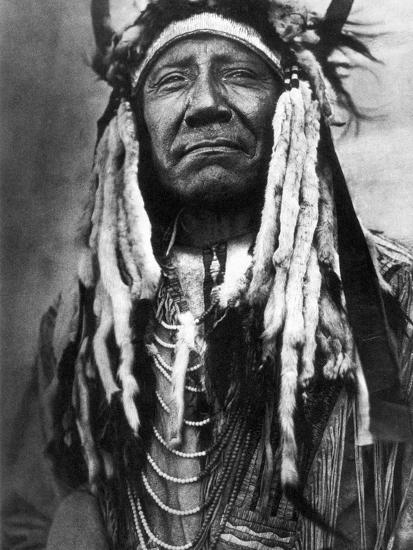 Cheyenne Chief, C1910-Edward S^ Curtis-Photographic Print