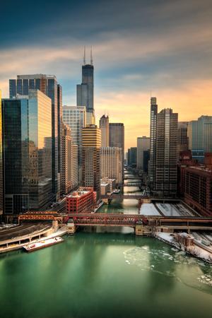 https://imgc.artprintimages.com/img/print/chicago-city-view-afternoon_u-l-q1bdy5c0.jpg?p=0