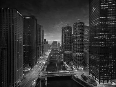 https://imgc.artprintimages.com/img/print/chicago-river-sunset-bw_u-l-q1av6ot0.jpg?p=0