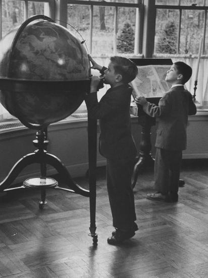 Children at a Private School-Nina Leen-Photographic Print