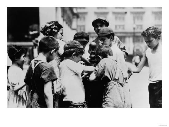 Children Drinking on a Hot Day in New York Photograph - New York, NY-Lantern Press-Art Print
