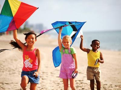 Children Flying Kites on the Beach-Bill Bachmann-Photographic Print