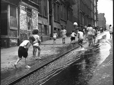 https://imgc.artprintimages.com/img/print/children-playing-on-103rd-street-in-puerto-rican-community-in-harlem_u-l-p3mmgg0.jpg?p=0