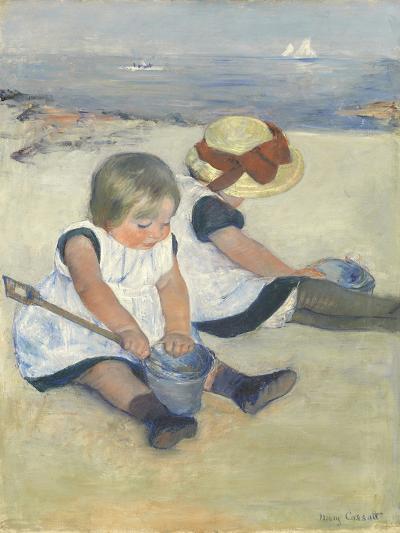 Children Playing on the Beach, 1884-Mary Cassatt-Giclee Print