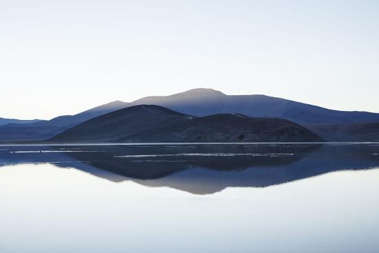 Chile, National Park Nevado Tres Cruzes, Laguna Santa Rose, Water Mirroring, Mountains-Jutta Ulmer-Photographic Print