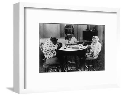 Chimpanzees Play Mahjong