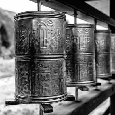 https://imgc.artprintimages.com/img/print/china-10mkm2-collection-prayer-wheels_u-l-pz7lt40.jpg?p=0