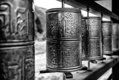 https://imgc.artprintimages.com/img/print/china-10mkm2-collection-prayer-wheels_u-l-pz7mng0.jpg?p=0