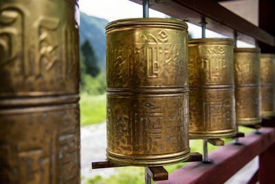 https://imgc.artprintimages.com/img/print/china-10mkm2-collection-prayer-wheels_u-l-pz7omn0.jpg?p=0