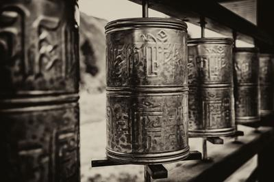 https://imgc.artprintimages.com/img/print/china-10mkm2-collection-prayer-wheels_u-l-pz7osx0.jpg?p=0