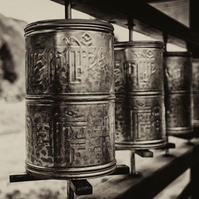 https://imgc.artprintimages.com/img/print/china-10mkm2-collection-prayer-wheels_u-l-pz7ovy0.jpg?p=0