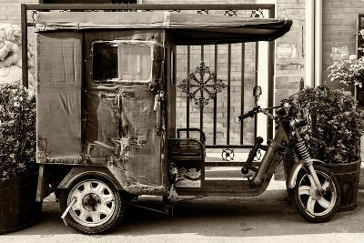 China 10MKm2 Collection - Tricycle-Philippe Hugonnard-Photographic Print