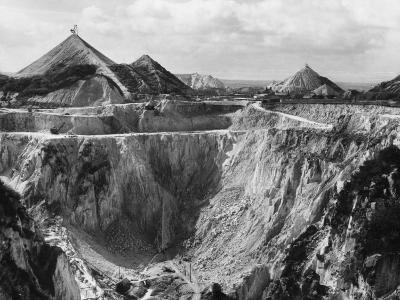 China Clay Quarry--Photographic Print