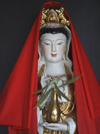 https://imgc.artprintimages.com/img/print/china-guizhou-province-statue-of-guanyin-goddess-of-mercy_u-l-q10bob00.jpg?p=0