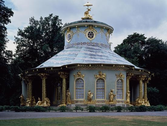 Chinese Teahouse, Circular Pavilion with Gilded 18th Century Statues--Giclee Print