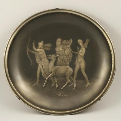 https://imgc.artprintimages.com/img/print/chiselled-silver-plate-depicting-mythological-scene-with-diana-the-hunter_u-l-poly3s0.jpg?artPerspective=n