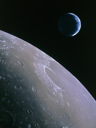 Illustration of Earthrise Seen From Lunar Orbit by Chris Butler