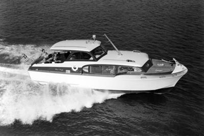 Starboard View of Chris-Craft Commander by Chris-Craft