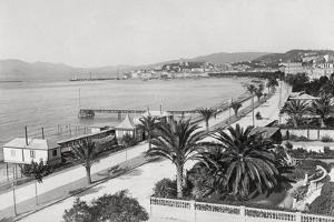 Cannes and La Croisette by Chris Hellier