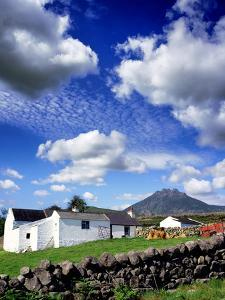 Farm Houses Silent Valley in the Mournes by Chris Hill