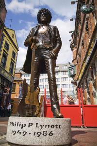 Statue of Phil Lynott in Grafton Street, Dublin by Chris Hill