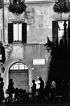 Street Scene in Rome on the Piazza Navona