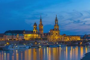 Europe, Germany, Dresden, Elbufer (Bank of the River Elbe), Saxony by Chris Seba