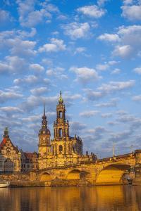 Europe, Germany, Saxony, Dresden, Elbufer (Bank of the River Elbe by Chris Seba