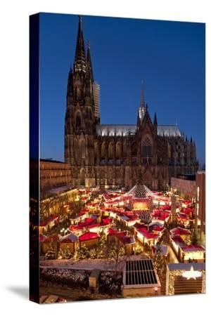 Germany, North Rhine-Westphalia, Rhineland, Cologne, Christmas Market