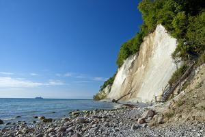 Germany, the Baltic Sea, Western Pomerania, Island R?gen, Chalk Rocks, Ferry, Horizon by Chris Seba