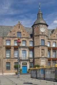 Germany, the Rhine, Dusseldorf, Old Town, Marketplace, City Hall by Chris Seba