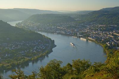 Germany, the Rhine, Rhineland-Palatinate, Boppard, Rhine River Loop, Morning Fog