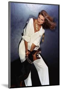 Vogue - February 1977 - Beauty and the Beast by Chris Von Wangenheim