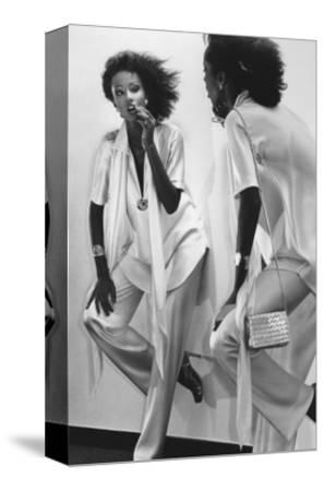 Vogue - January 1977