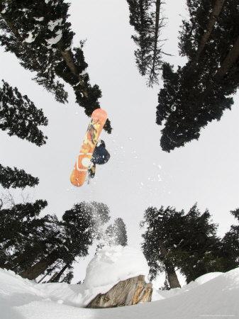 Snowboarding at Gulmarg Resort