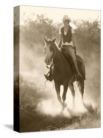 Cowgirl, Apache Spirit Ranch, Tombstone, Arizona, USA MR