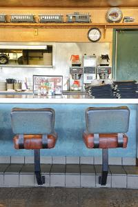 Howard Johnson Restaurant, Flagstaff, Arizona, Usa by Christian Heeb