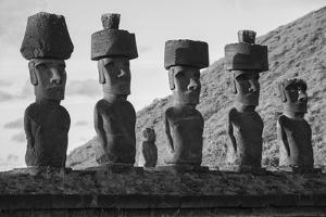 South America, Chile, Easter Island, Isla de Pascua, Moai stone human figures by Christian Heeb